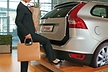 <p>The capacitive liftgate switch makes loading and unloading of vehicles even more convenient. In conjunction with the keyless entry function, a simple foot movement is all that's needed for the lid to open by itself.</p>