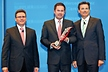 <p>Jürgen Otto, CEO of the Brose Group (center) accepts the &quot;Daimler Supplier Award 2009&quot; for outstanding performance in the category &quot;Exterior&quot;. (Right) Dr. Wolfgang Bernhard, DaimlerChrysler Board Member Production and Procurement Mercedes-Benz Cars and (left) Frank Deiß, Head of Procurement at Mercedes-Benz Cars and Vans.</p>